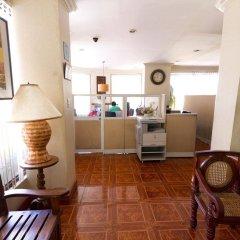 Отель Crown Regency Residences - Cebu интерьер отеля