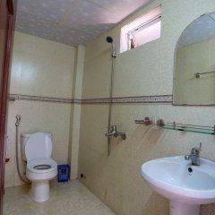 Отель Ngo Homestay Хойан ванная
