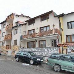 Отель Family Hotel Santo Bansko Болгария, Банско - отзывы, цены и фото номеров - забронировать отель Family Hotel Santo Bansko онлайн парковка