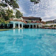 Mahaweli Reach Hotel бассейн