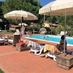 Отель Agriturismo Podere Bucine Basso Италия, Лари - отзывы, цены и фото номеров - забронировать отель Agriturismo Podere Bucine Basso онлайн бассейн
