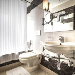 Отель Fab Hotel Prime Shervani Индия, Нью-Дели - отзывы, цены и фото номеров - забронировать отель Fab Hotel Prime Shervani онлайн ванная фото 2