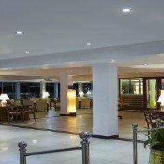 Coral Sands Hotel Хиккадува интерьер отеля
