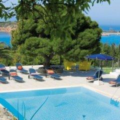 Отель Vouliagmeni Suites бассейн
