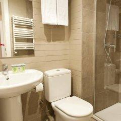 Отель MH Apartments Liceo Испания, Барселона - отзывы, цены и фото номеров - забронировать отель MH Apartments Liceo онлайн ванная фото 2