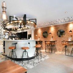 Отель 29 Lepic Париж гостиничный бар
