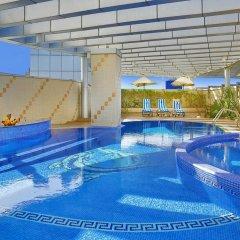 Отель City Seasons Hotel Dubai ОАЭ, Дубай - отзывы, цены и фото номеров - забронировать отель City Seasons Hotel Dubai онлайн бассейн фото 2