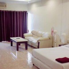 Апартаменты Parinyas Apartment Паттайя комната для гостей фото 4