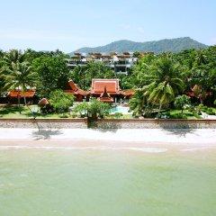 Отель Baan Sangpathum Villa бассейн