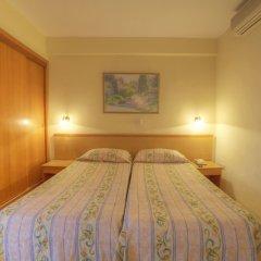 Ambassador Hotel комната для гостей