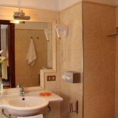 Hotel Condotti ванная
