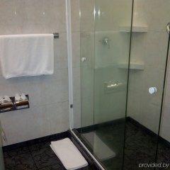 Отель Holiday Inn Dali Airport Мехико ванная