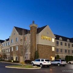Отель Staybridge Suites Columbus-Airport парковка