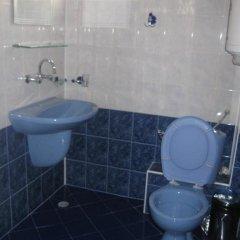 Отель Guest House Mihaela Болгария, Свети Влас - отзывы, цены и фото номеров - забронировать отель Guest House Mihaela онлайн ванная фото 2