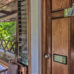 Hotel Jaguar Inn Tikal сейф в номере