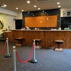 Отель Kutsurogijuku Shintaki Япония, Айдзувакамацу - отзывы, цены и фото номеров - забронировать отель Kutsurogijuku Shintaki онлайн гостиничный бар