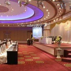 Отель The Tawana Bangkok развлечения