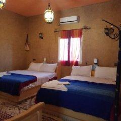 Отель Kasbah Le Berger Марокко, Мерзуга - отзывы, цены и фото номеров - забронировать отель Kasbah Le Berger онлайн сейф в номере