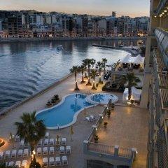 Отель Cavalieri Art Hotel Мальта, Сан Джулианс - 11 отзывов об отеле, цены и фото номеров - забронировать отель Cavalieri Art Hotel онлайн балкон