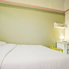 Kam Leng Hotel сейф в номере