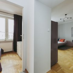 Отель ShortStayPoland Wiejska B42 Варшава комната для гостей фото 4