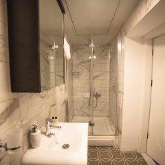 Galata Cicek Suites Hotel Турция, Стамбул - отзывы, цены и фото номеров - забронировать отель Galata Cicek Suites Hotel онлайн ванная фото 2