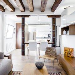 Отель Santa Ana Apartment by FlatSweetHome Испания, Мадрид - отзывы, цены и фото номеров - забронировать отель Santa Ana Apartment by FlatSweetHome онлайн комната для гостей фото 3