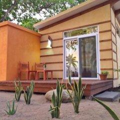 Отель Coral Beach Village Resort Гондурас, Остров Утила - отзывы, цены и фото номеров - забронировать отель Coral Beach Village Resort онлайн балкон