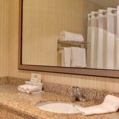 Отель Holiday Inn Express Los Angeles Airport, an IHG Hotel США, Лос-Анджелес - 9 отзывов об отеле, цены и фото номеров - забронировать отель Holiday Inn Express Los Angeles Airport, an IHG Hotel онлайн ванная фото 2