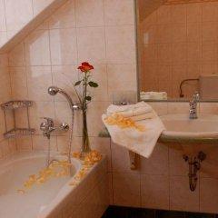 Отель Francis Чехия, Франтишкови-Лазне - отзывы, цены и фото номеров - забронировать отель Francis онлайн ванная фото 2