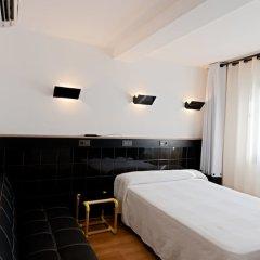 Отель Hostal Athenas комната для гостей фото 2