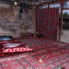Отель Little Petra Bedouin Camp Иордания, Петра - отзывы, цены и фото номеров - забронировать отель Little Petra Bedouin Camp онлайн комната для гостей фото 5