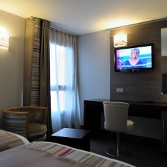 Отель Holiday Inn Paris Montmartre Париж удобства в номере