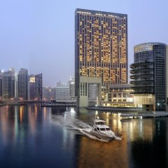 Отель The Address Dubai Marina Дубай приотельная территория