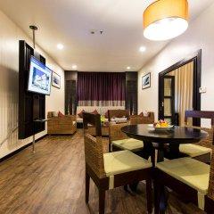 Отель Deevana Plaza Phuket интерьер отеля фото 2