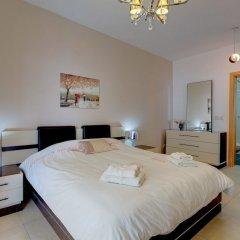 Отель Stunning Seafront Lux Apt wt Pool, Upmarket Area Мальта, Слима - отзывы, цены и фото номеров - забронировать отель Stunning Seafront Lux Apt wt Pool, Upmarket Area онлайн комната для гостей фото 5