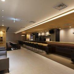 Отель First Cabin Atagoyama Япония, Токио - отзывы, цены и фото номеров - забронировать отель First Cabin Atagoyama онлайн гостиничный бар