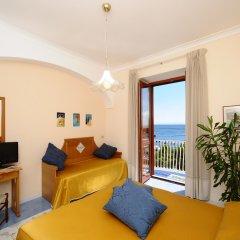 Отель La Bussola Италия, Амальфи - 1 отзыв об отеле, цены и фото номеров - забронировать отель La Bussola онлайн комната для гостей фото 4
