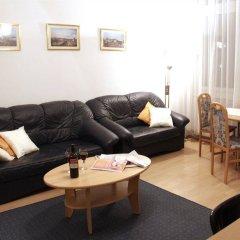 Отель CheckVienna Edelhof Apartments Австрия, Вена - 1 отзыв об отеле, цены и фото номеров - забронировать отель CheckVienna Edelhof Apartments онлайн комната для гостей фото 2