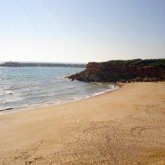 Отель Camping-Bungalows El Faro Испания, Кониль-де-ла-Фронтера - отзывы, цены и фото номеров - забронировать отель Camping-Bungalows El Faro онлайн пляж