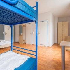 Отель a&o Köln Neumarkt Германия, Кёльн - 13 отзывов об отеле, цены и фото номеров - забронировать отель a&o Köln Neumarkt онлайн комната для гостей фото 5