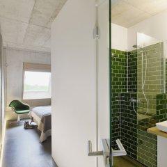 Отель ipartment Concrete Köln Mülheim Кёльн ванная