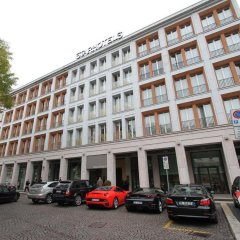 Отель The Rosa Grand Milano - Starhotels Collezione парковка