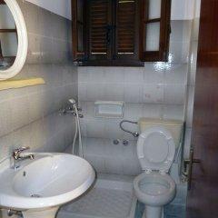 Отель Villa Helen's Apartments Греция, Корфу - отзывы, цены и фото номеров - забронировать отель Villa Helen's Apartments онлайн ванная фото 2