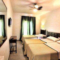 Отель Hostal Isabel Испания, Бланес - отзывы, цены и фото номеров - забронировать отель Hostal Isabel онлайн комната для гостей фото 3