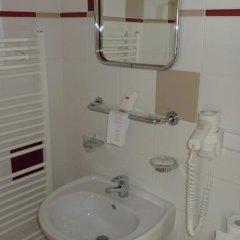 Отель Wellness Hotel Jean De Carro Чехия, Карловы Вары - отзывы, цены и фото номеров - забронировать отель Wellness Hotel Jean De Carro онлайн ванная фото 2