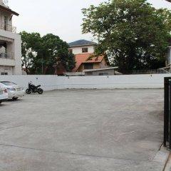 Utd Aries Hotel & Residence Бангкок парковка