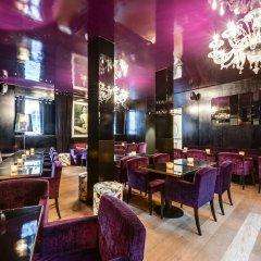 Отель Room Mate Alain гостиничный бар