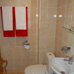 Отель Rozovata kashta Кюстендил ванная