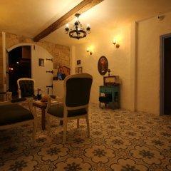 Отель Alacati Asmali Konak Otel Чешме интерьер отеля фото 3